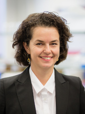 Claudia Sax